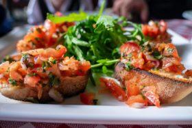 Bruschetta -den italienische Snack selber machen