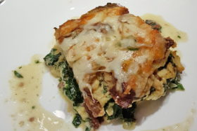Polenta-Lasagne mit Spinat und Käse