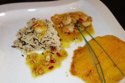 Gegrillte Mango mit süß-scharfen Curry-Garnelen