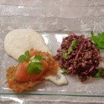 Linsensalat mit Rösti, Lachs und Meerrettich Mousse