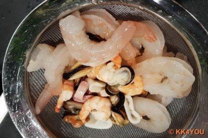 Meeresfrüchte kalt abbrausen