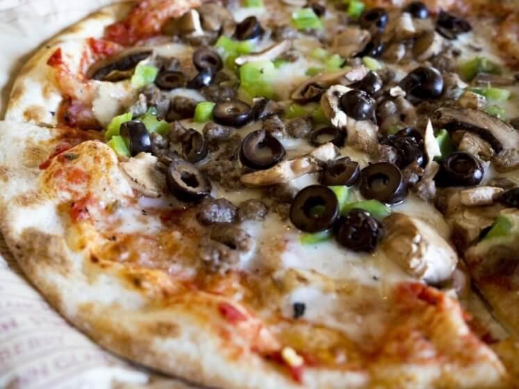 Pizza Bella Italia –selber zubereitet, ein Hochgenuss