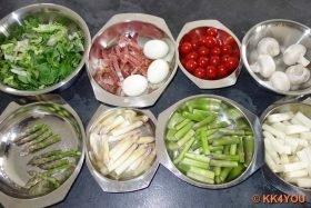 Zutaten des Spargelsalats