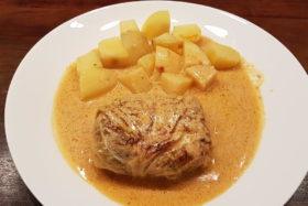 Wirsingrouladen mit Pilz-Couscous-Füllung, als Beilage Salzkartoffeln